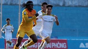 Hoàng Văn Bình hồi sinh cùng SLNA ở lượt về V.League 2018