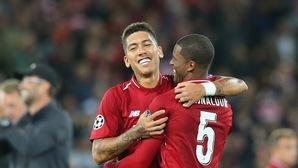 """Roberto Firmino """"mắn"""" bàn thắng khó tin lịch sử Champions League và sẽ phá kỷ lục ở Liverpool?"""