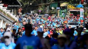 """Chùm ảnh: """"Cơn lũ"""" ultra runner tràn qua những con phố Sapa tại VMM 2018"""