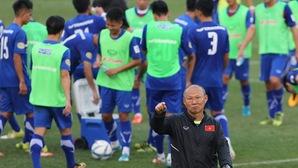 """HLV Park Hang Seo trở lại Việt Nam để chuẩn bị """"săn vàng"""" AFF Cup 2018"""