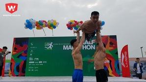 Phạm Phước Hưng khoe 6 múi giữa hàng ngàn runner ở Yên Sở