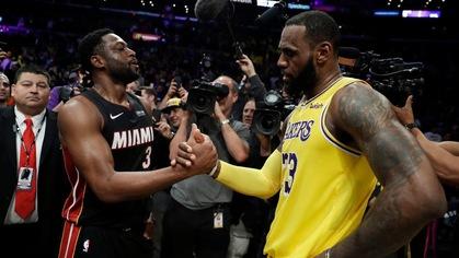 Đôi bạn thân Dwyane Wade và LeBron James: Ai bảo đối đầu nhau sẽ phá huỷ tình bạn?