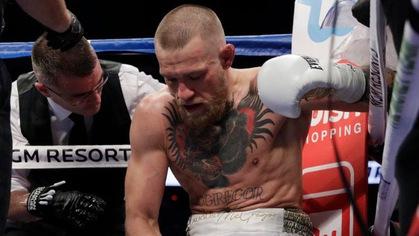 "HLV Firas Zahabi lý giải vì sao Conor McGregor hay ""hết ga"" ở hiệp cuối"