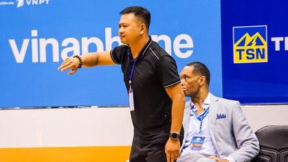 Chia tay HLV Brian Rowsom, Hochiminh City Wings chào đón 'thuyền trưởng' Việt Nam đầu tiên tại VBA