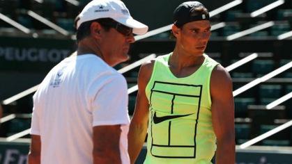 """Ông chú Toni Nadal hé lộ thời điểm """"Bò tót TBN"""" tái xuất"""