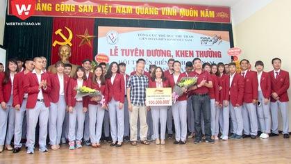 Lê Tú Chinh, Nguyễn Thị Huyền lĩnh thưởng lớn nhờ SEA Games 29