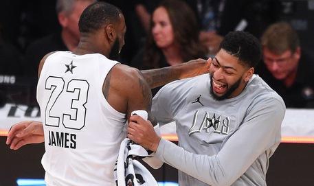 Chính thức: Anthony Davis ký hợp đồng về chung với LeBron James