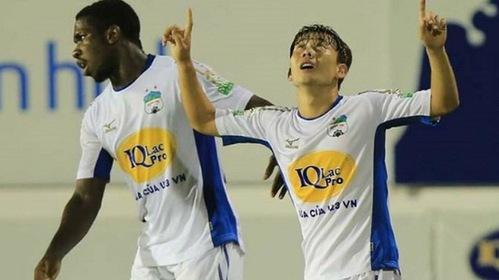Pha solo đẳng cấp của Minh Vương lọt Top 5 bàn thắng đẹp nhất vòng 6 Nuti Café V.League 2018