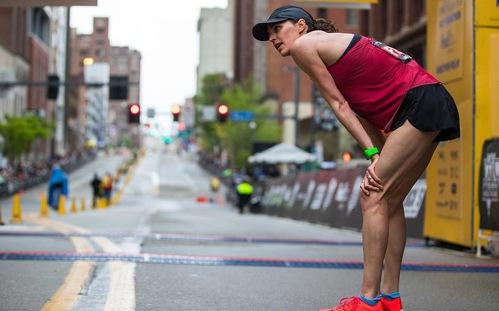 HCV Olympic triathlon Jorgensen chạy giải half marathon 9 tháng sau khi sinh