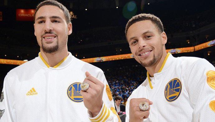 Toàn cảnh Lễ trao nhẫn cho Golden State Warriors trước trận khai màn NBA 2018/19