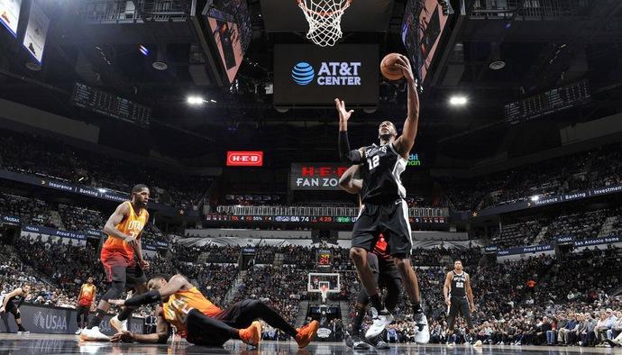 Video kết quả NBA 2018/19 ngày 10/12: San Antonio Spurs - Utah Jazz
