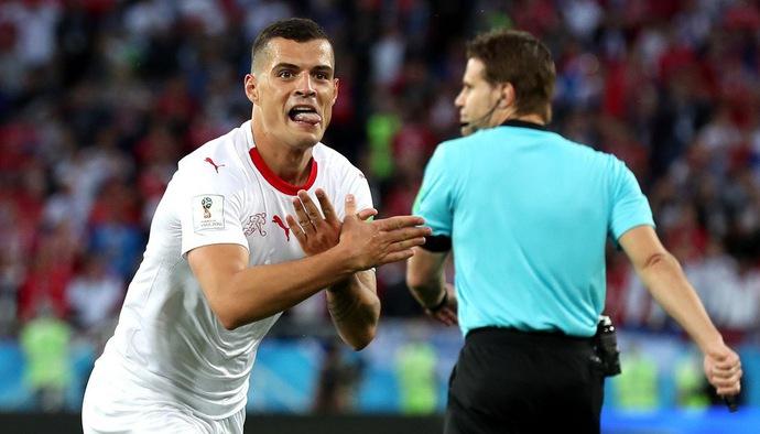 """Những cú sút uy lực của Granit Xhaka - """"Pháo thủ"""" đầu tiên ghi bàn tại World Cup 2018"""