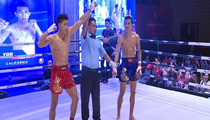 Hàng nghìn người tham dự Muay Thái Fight Night