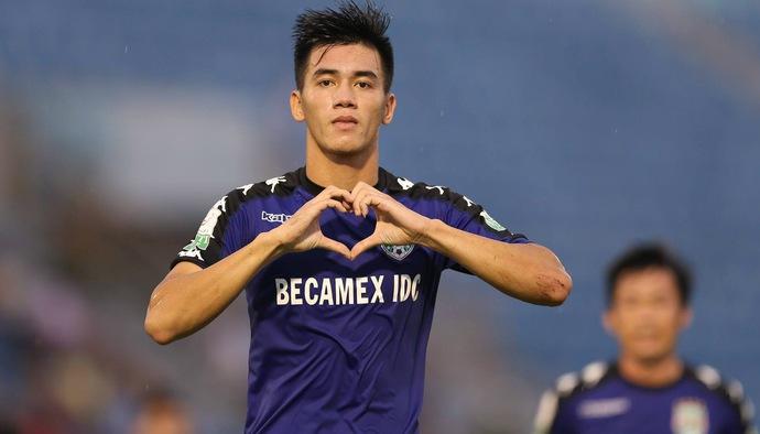 Top 5 bàn thắng vòng 20 V.League 2018: Pha đánh đầu không tưởng của Nguyễn Tiến Linh