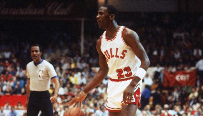 Di sản Michael Jordan tại NBA: Những khoảnh khắc thiên tài ở trận đấu đầu tiên