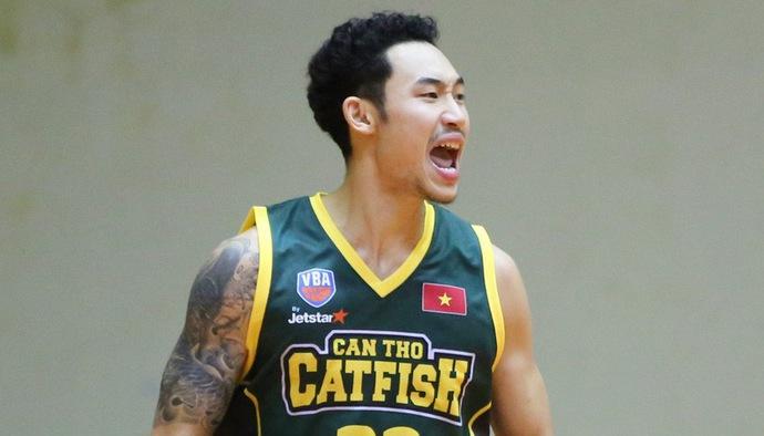 """Màn """"gánh team"""" của Tâm Đinh giúp Cantho Catfish đánh bại Saigon Heat"""