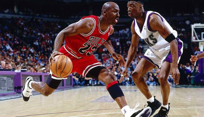 Hướng dẫn kỹ thuật bóng rổ cơ bản: Động tác chân - Phần 2