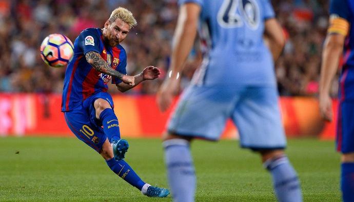 Top 10 cầu thủ sút phạt thành bàn giỏi hơn cả Lionel Messi