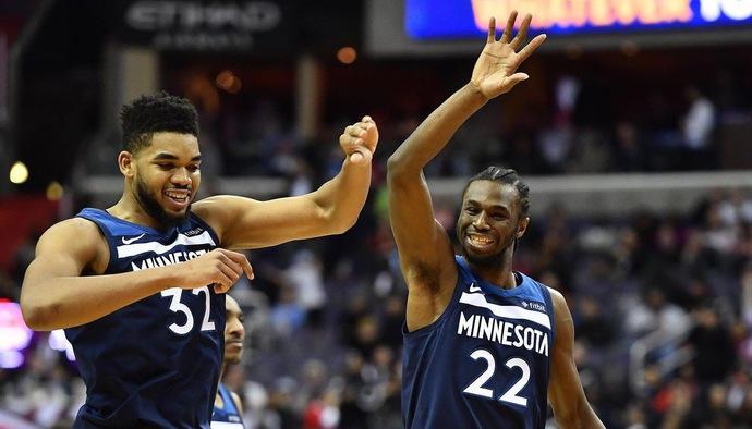 Những pha bóng ấn tượng của Karl-Anthony Towns tại NBA 2017/18