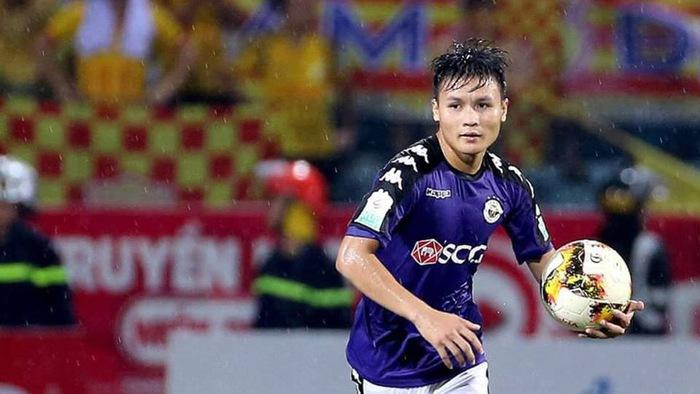 Những khoảnh khắc thiên tài của Nguyễn Quang Hải tại V.League 2018