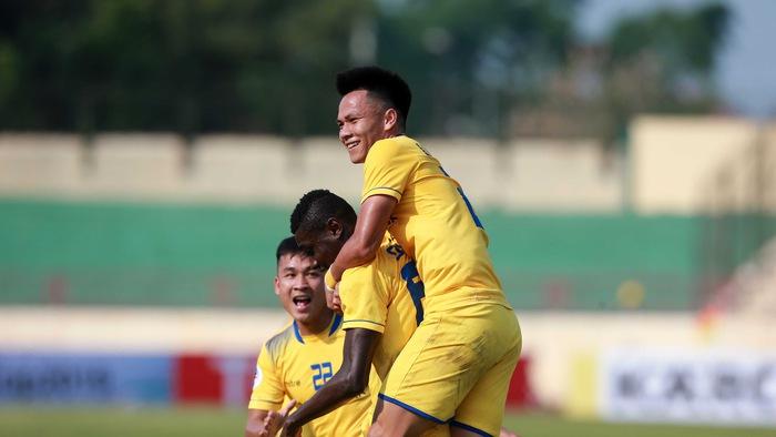Video kết quả V.League 2018: Sông Lam Nghệ An - SHB Đà Nẵng