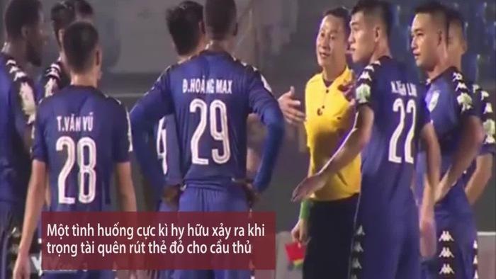 Hy hữu trọng tài Trần Văn Lập quên rút thẻ đỏ cho Hồ Tấn Tài