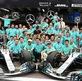 Suýt mắc lỗi động cơ, Hamilton vẫn về đích đầu tiên tại Brazillian GP