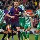 """Kỷ lục gây sốc của """"người không phổi"""" Rakitic với Barca"""