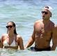 Ngắm người tình nóng bỏng của Blake Griffin trên bãi biển Miami
