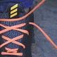 Hướng dẫn cách xỏ dây giày chống trượt gót
